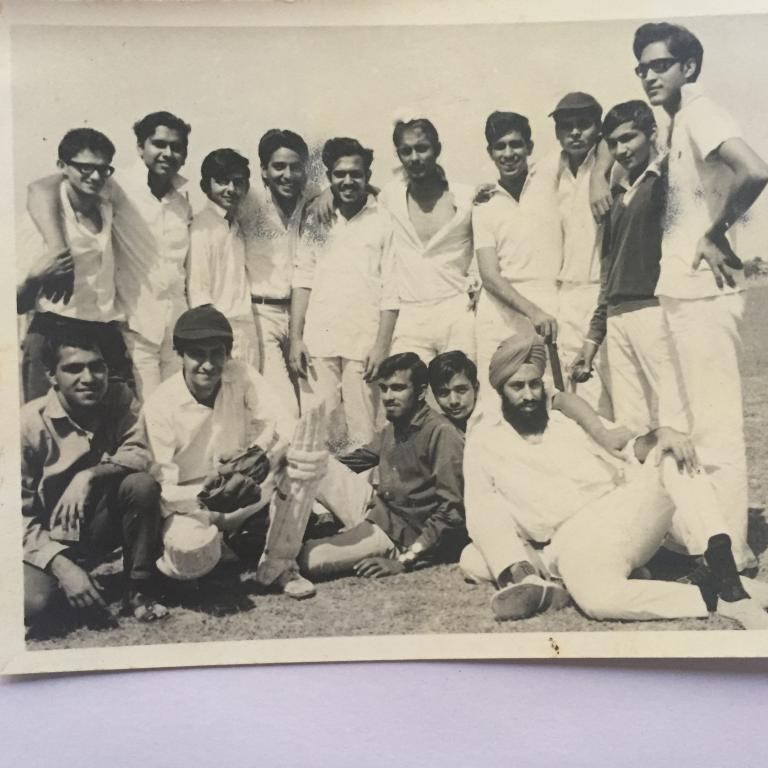 KS with IV Yr Mech Team which beat Elect Team in Sep   69